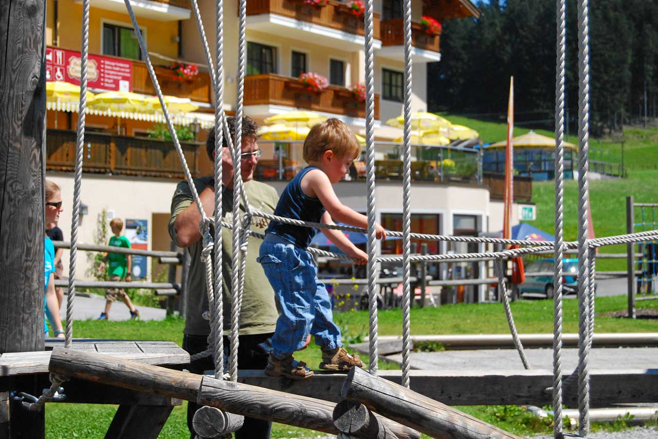 Hotel Traunstein in Abtenau - Kinderspielplatz