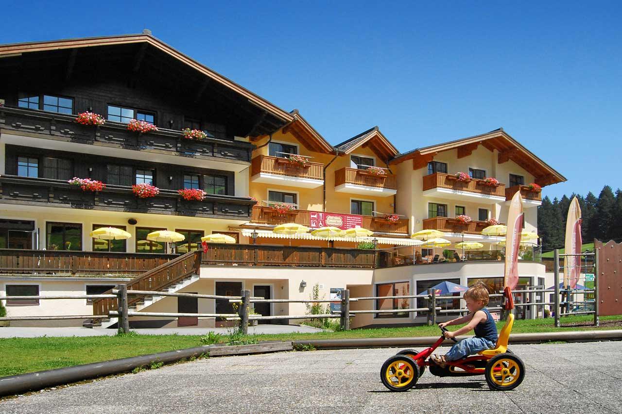 Hotel Traunstein in Abtenau im Sommer